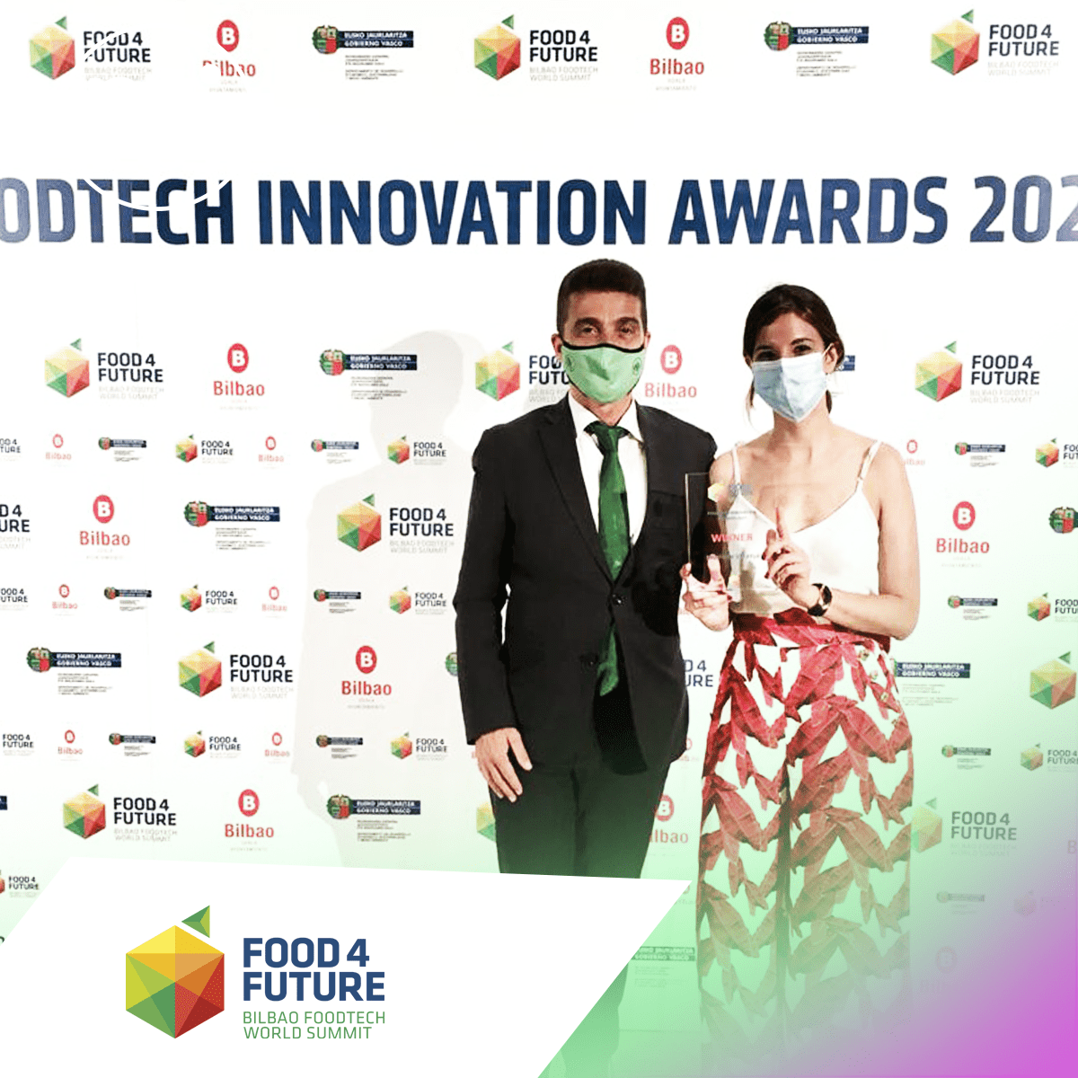 Image of Nucaps recognized with the 'most Innovative foodtech startup' award
